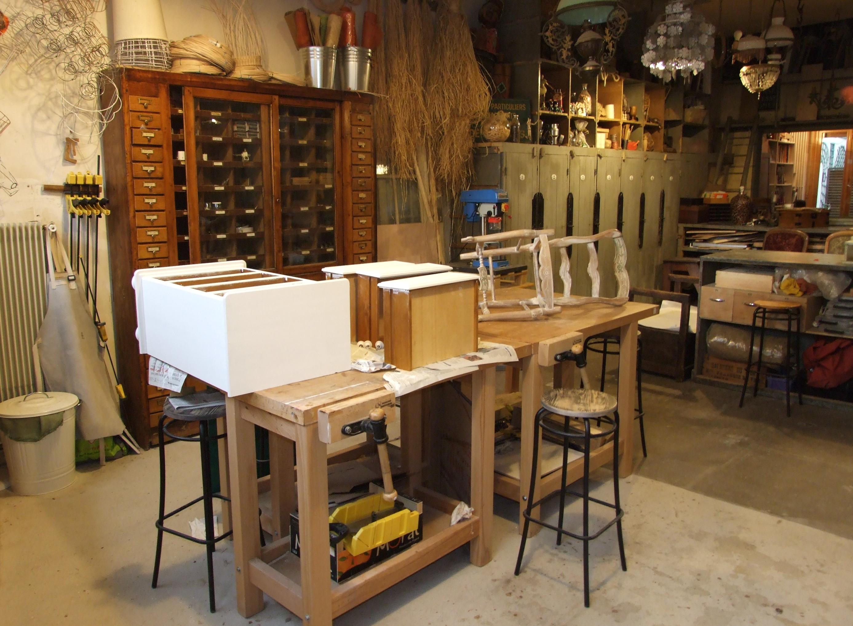 Peindre sans sous couche photos de conception de maison for Peinture meuble bois leroy merlin