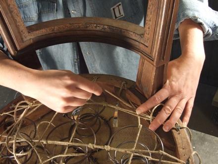 Tapisserie archives l tablisienne paris ateliers bureaux partag s formations - Carcasse de fauteuil a restaurer ...