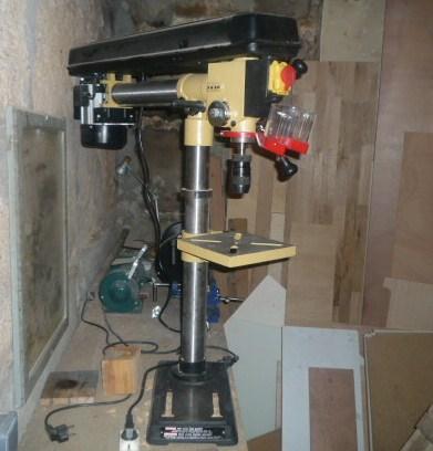 fr perceuse colonnel tablisienne paris ateliers bureaux partag s formations en drill press. Black Bedroom Furniture Sets. Home Design Ideas