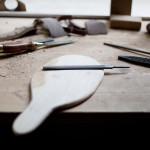 Atelier-Bois_Cours-stage-Planche-a-decouper_Knieja Wood_photo-maeva-allio_L-Etablisienne-Paris